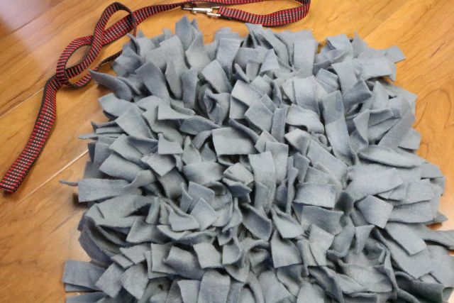 DIY Dog Snuffle Mat: How to Make It finished project